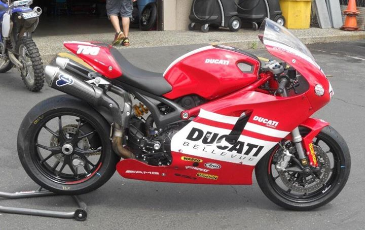 Ducati Monster Dipaksa Jadi Motor Sport Full Fairing Ringpiston
