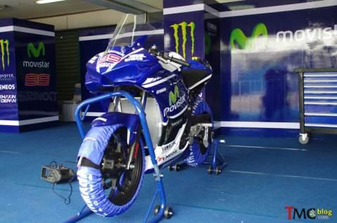 Yamaha-R25-Movistar-JL99-0017