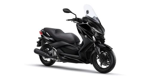 2015-Yamaha-X-MAX-250-ABS-EU-Midnight-Black-Studio-001
