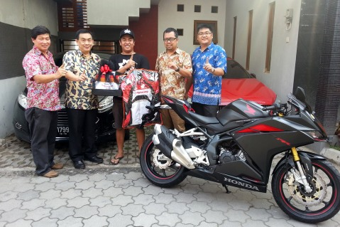 first-customer-all-new-honda-cbr250rr-1