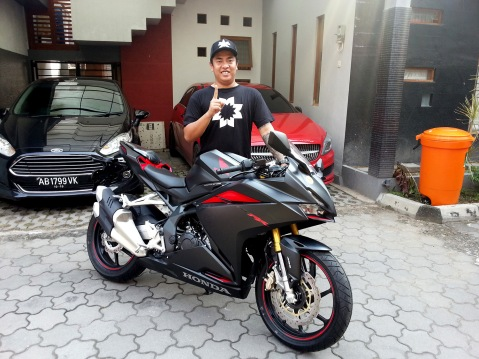 first-customer-all-new-honda-cbr250rr-3